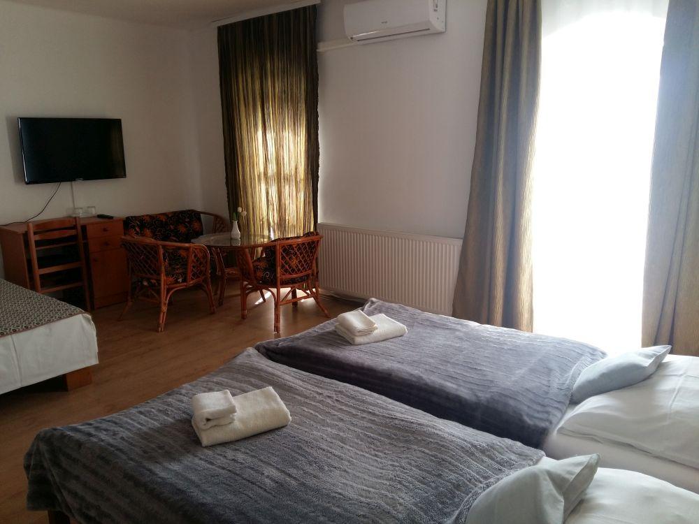 szállás Pécs, pécsi szállás, hotel Pécs, pécsi hotel, panzió Pécs, pécsi panzió, Retro Hotel, Retro Panzió